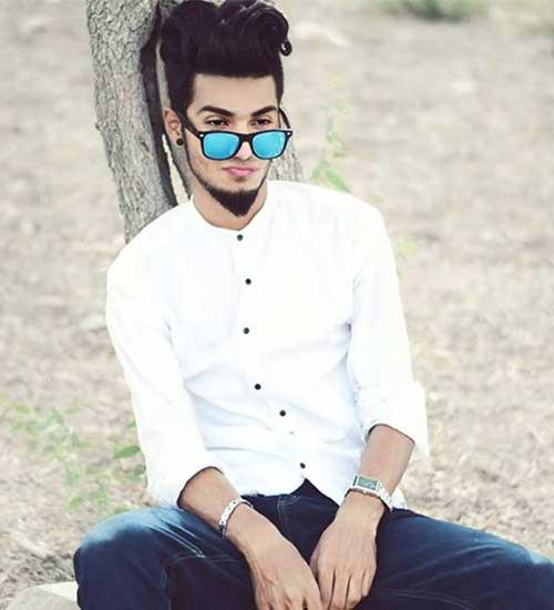 Male-Model-Karachi-Hunain