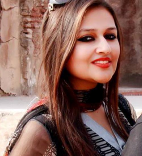 Female-Model-Lahore-Ayesha