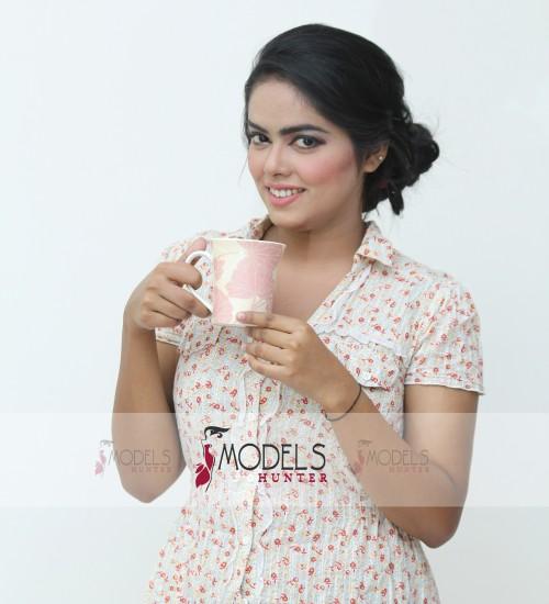 Female-Model-Karachi-Hina