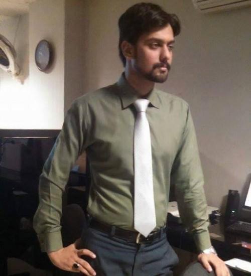 Male-Model-Karachi-Mubashir