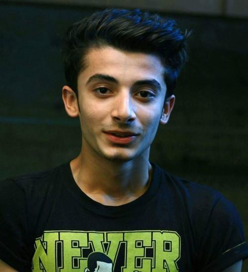 male-model-karachi-Muneeb