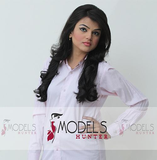 Female-Model-Karachi-Areesha